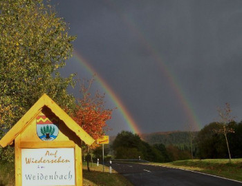 Doppelter Regenbogen bei Weidenbach; ?>