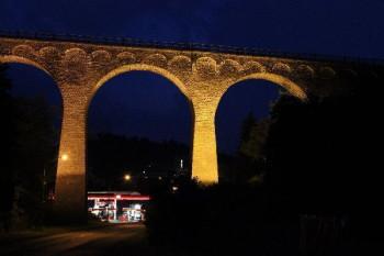 Viadukt Daun bei Dunkelheit; ?>