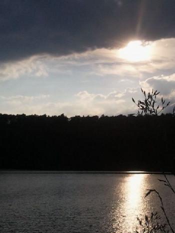 Sonnenuntergang am Pulvermaar; ?>